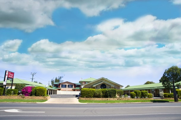 Starlight Motor Inn is only 500m from the centre of town (Australia Post)